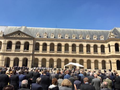 hommage à Rocard aux Invalides juillet 2016.JPG