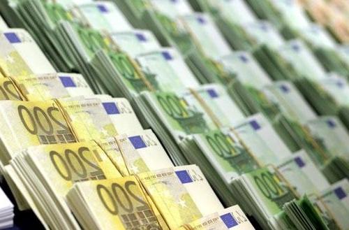 salaires-des-patrons-manuel-valls-confirme-sa-volonte-de-legiferer__879472_.jpg